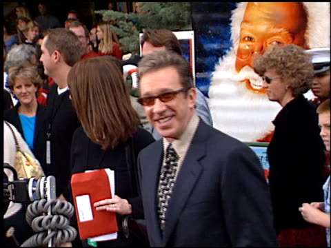 tim allen at the premiere of 'the santa clause ii' at the el capitan theatre in hollywood, california on october 27, 2002. - el capitan kino stock-videos und b-roll-filmmaterial