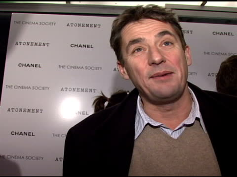 tim bevan talks about world premiere at venice film festival, talks about seeing novel on the big screen, why joe wright was the choice for director,... - ジョーライト点の映像素材/bロール