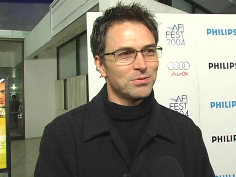 vídeos y material grabado en eventos de stock de tim daly at the 2004 afi film festival merchant of venice arrivals at cineramadome at the arclight in hollywood, california. - cinerama dome hollywood