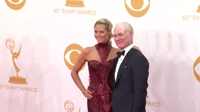 tim gunn and heidi klum at the 65th annual primetime emmy awards arrivals in los angeles ca on 9/22/13 - annual primetime emmy awards stock-videos und b-roll-filmmaterial
