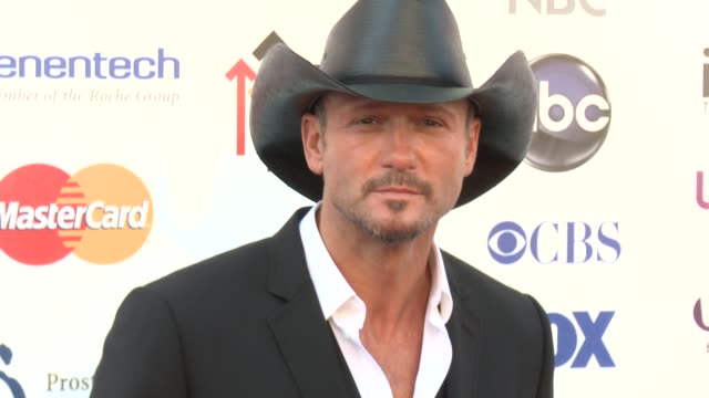 tim mcgraw at 2012 stand up to canceron 9/7/2012 in los angeles, california - tim mcgraw stock videos & royalty-free footage