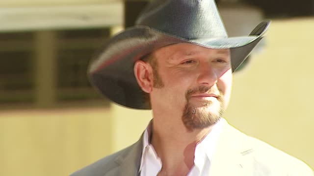 tim mcgraw at the dediction of tim mcgraw's star on the walk of fame at hollywood in hollywood, california on october 17, 2006. - tim mcgraw stock videos & royalty-free footage
