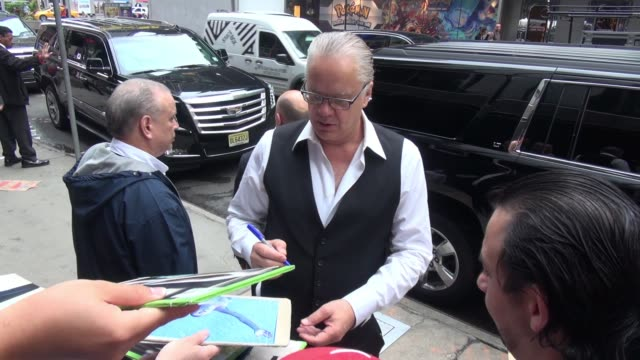 Tim Robbins arrives at the 'Good Morning America' show and signs for fans in Celebrity Sightings in New York 6/11/2015