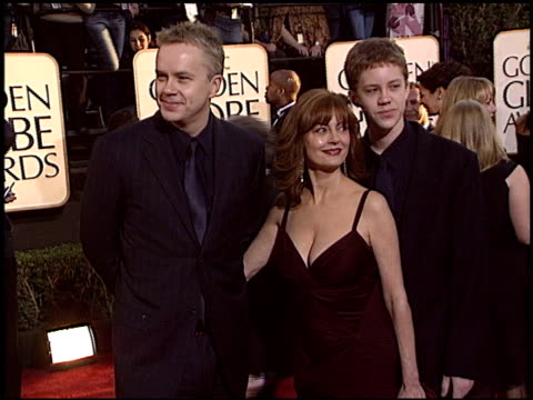 Tim Robbins at the 2004 Golden Globe Awards at the Beverly Hilton in Beverly Hills California on January 25 2004