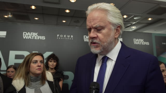 tim robbins on why he chose to work on the film, who his character is, why rob bilott's story is so important, what he is most proud of working on... - インタビュー素材点の映像素材/bロール
