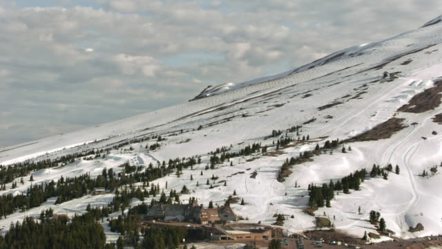 aerial timberline lodge on mount hood - mt hood stock videos & royalty-free footage
