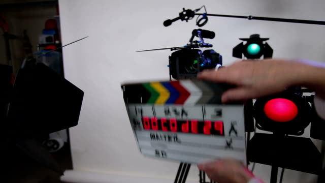 Time code slate on video set DSLR - 3 takes