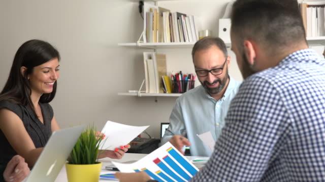 vídeos y material grabado en eventos de stock de tiempo para negocios - compromiso de los empleados