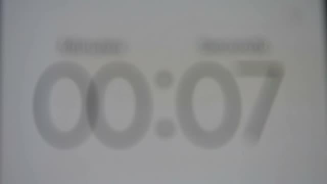 stockvideo's en b-roll-footage met tijd gaat door, tijd verspillen tijd besteden, seconden aftellen, uw tijd is om - bomb countdown timer
