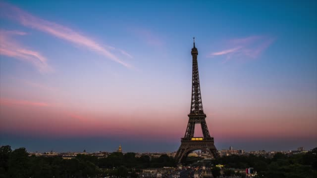 time lapes : eiffel tower in paris, france - eiffel tower stock videos & royalty-free footage