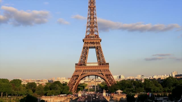 hd time lapes : eiffel tower in paris, france - eiffel tower paris stock videos & royalty-free footage