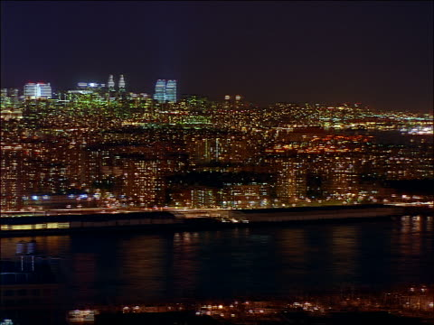 vídeos y material grabado en eventos de stock de time lapse 360 degree pan of nyc skyline at night - 1997