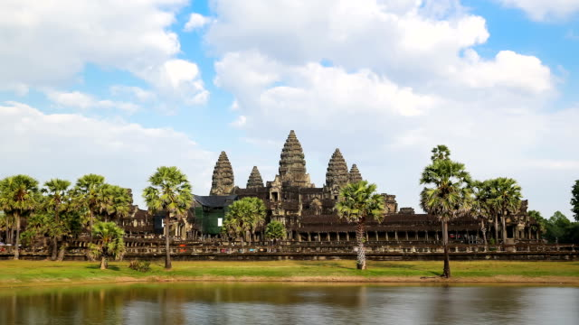 time lapse - angkor wat (zoom out) - buddha stock videos & royalty-free footage