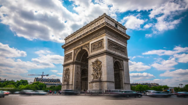 time lapse: arc de triomphe in paris - arco architettura video stock e b–roll