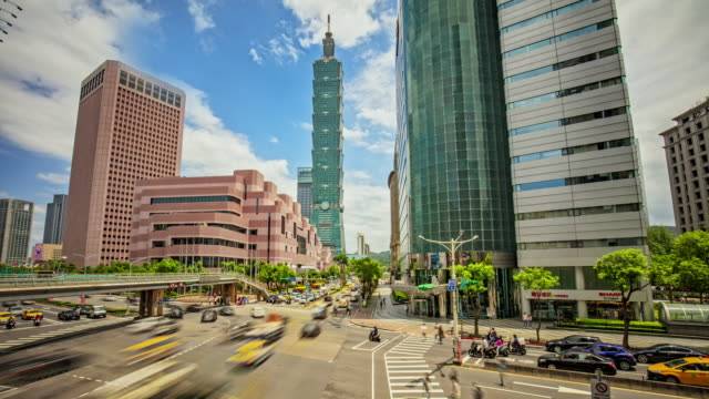 time lapse at city center of taipei, taiwan - taipei 101 stock videos & royalty-free footage