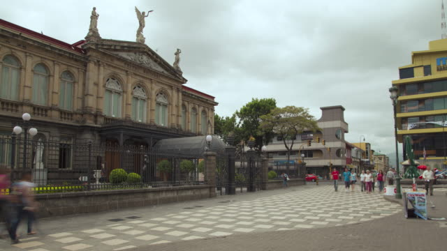 time lapse at national theatre of costa rica - costa rica stock-videos und b-roll-filmmaterial