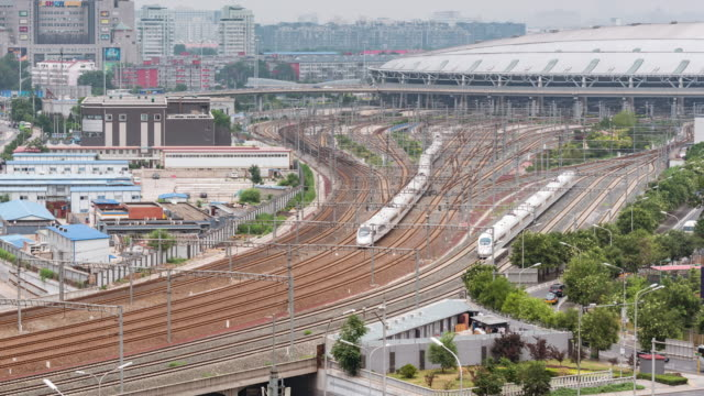 stockvideo's en b-roll-footage met tijd lapse - beijing south railway station - treinstation