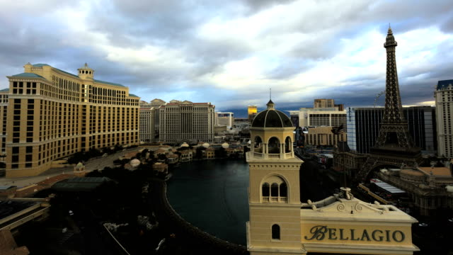 time lapse bellagio resort hotel downtown las vegas - bellagio hotel stock videos & royalty-free footage