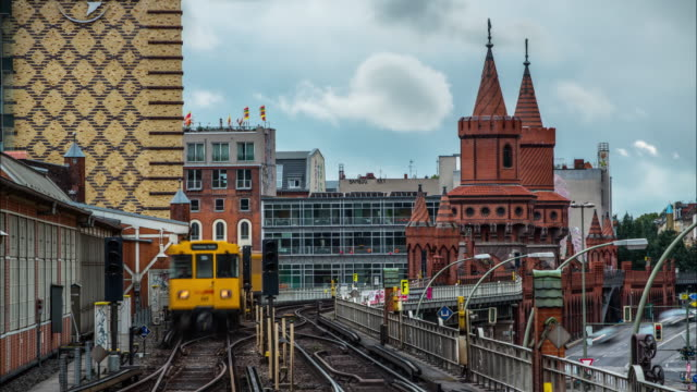 Time Lapse Berlin U-Bahn with Oberbaum Bridge in Kreuzberg