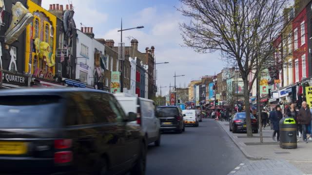 time lapse busy camden high street, london - street style点の映像素材/bロール