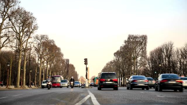 HD Time Lapse : Champs Elysees in Paris