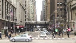 4K UHD Time Lapse : Chicago Streets at Michigan ave and Washington street. Metro Train in downtown Chicago