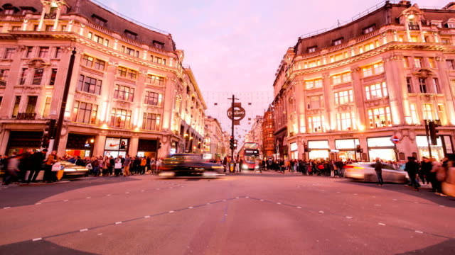 4k time lapse christmas & shopping on oxford street, london - inghilterra video stock e b–roll