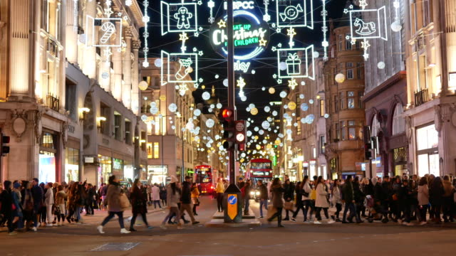 vídeos de stock e filmes b-roll de 4k time lapse christmas & shopping on oxford street, london - pátio