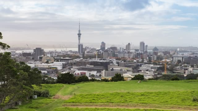 4k time lapse : cityscape auckland city from mount eden - pedestrian stock videos & royalty-free footage
