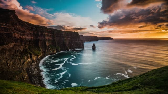 time lapse: cliff of moher sunset, ireland - cliff stock videos & royalty-free footage