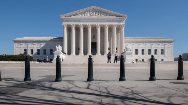 vidéos et rushes de time lapse clips of the supreme court building in washington dc usa on tuesday february 27 2018 - terrain de jeu