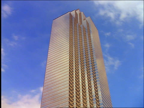 time lapse clouds behind building / dallas, texas - cinematography stock videos & royalty-free footage