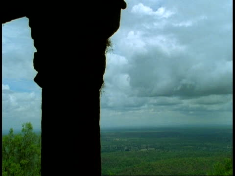 wa time lapse clouds from inside hindu temple, bandhavgarh national park, india - bandhavgarh national park stock videos and b-roll footage
