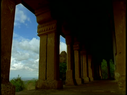 wa time lapse clouds from inside hindu temple, bandhavgarh national park, india - national icon stock videos & royalty-free footage