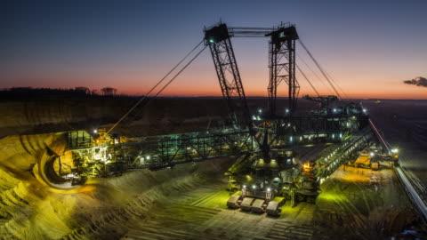 stockvideo's en b-roll-footage met time-lapse: steenkoolwinning - mijnindustrie