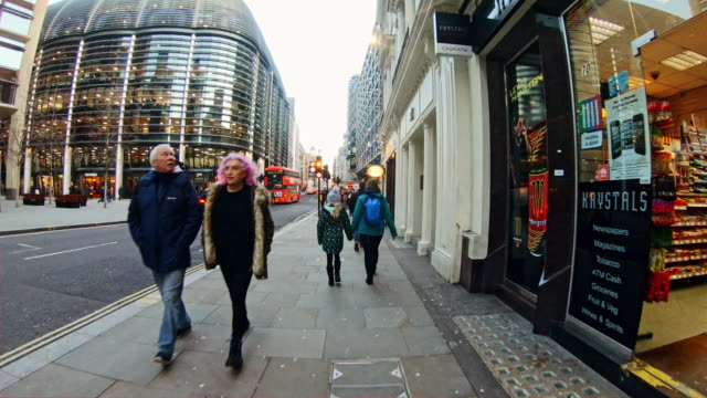 time lapse commuters in city street - traffic time lapse stock videos & royalty-free footage