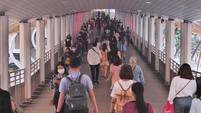 time lapse commuters walking to work - elevated train stock videos & royalty-free footage