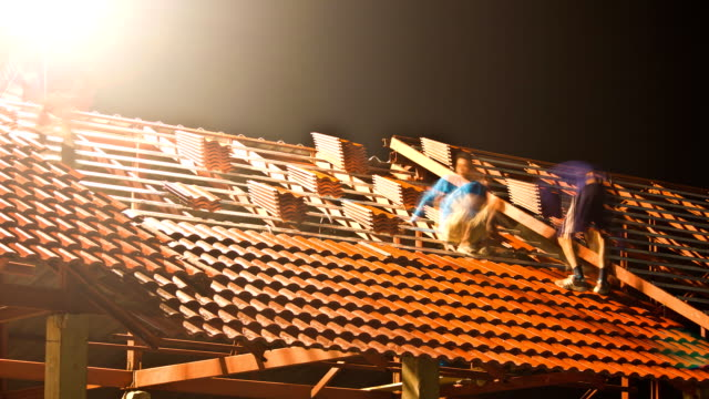 Time Lapse Construction of the roof at night.