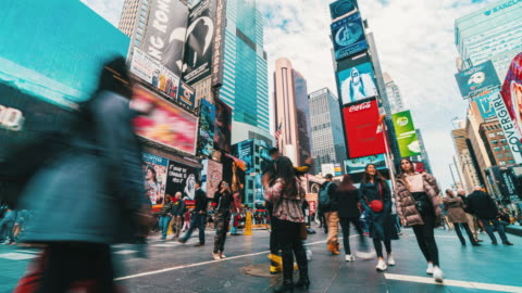 time lapse crowd of tourist walking at times square - traffic time lapse stock videos & royalty-free footage