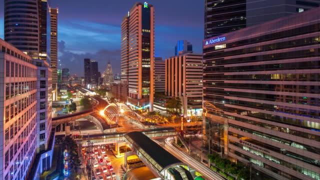 Time Lapse do dia para a noite paisagem urbana com Céu dramático no centro de Banguecoque