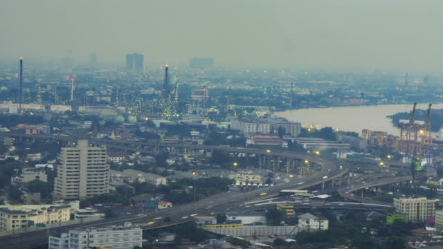 4k zeitraffer von tag zu nacht des stadtbildes in bangkok, thailand - klammer stock-videos und b-roll-filmmaterial