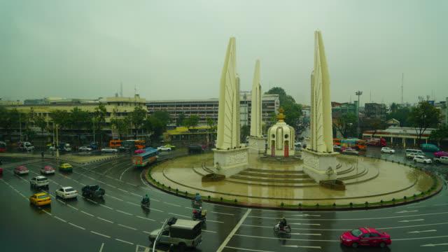Time lapse democrazy monument in bangkok thailand