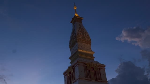 vidéos et rushes de time lapse doi thep nimit monastery on the top of patong hill, phuket, thailand - monastère