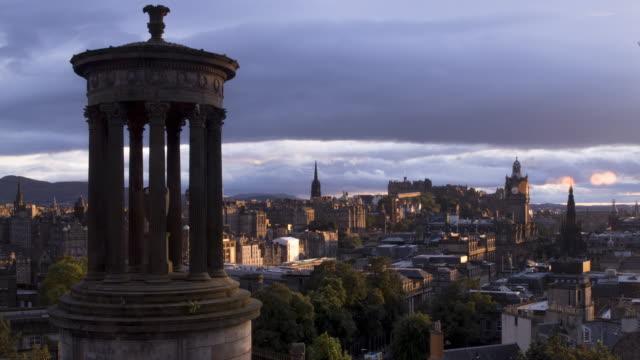 time lapse edinburgh cityscape at sunset - edinburgh scotland stock videos & royalty-free footage