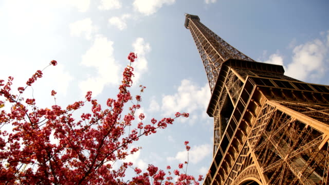 time lapse - eiffel tower - eiffel tower stock videos & royalty-free footage