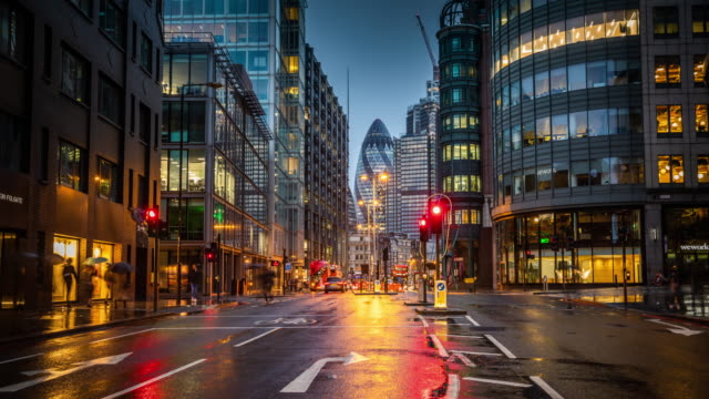 time lapse: financial district of london - street light stock videos & royalty-free footage