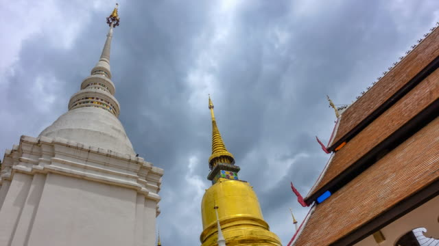 Time lapse : Golden Pagoda at Suan Dok Temple in Chiang Mai Thailand