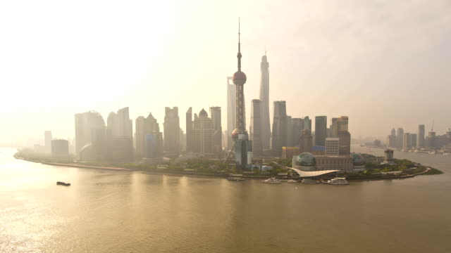 time lapse huangpu river oriental pearl tower shanghai - the bund stock videos & royalty-free footage