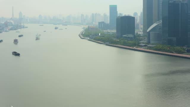time lapse huangpu river shanghai tower lujiazui china - river huangpu stock videos & royalty-free footage