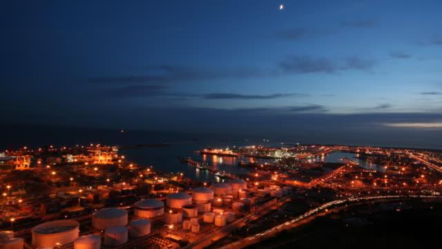 vídeos de stock e filmes b-roll de time lapse em barcelona doca de carga - porto de barcelona